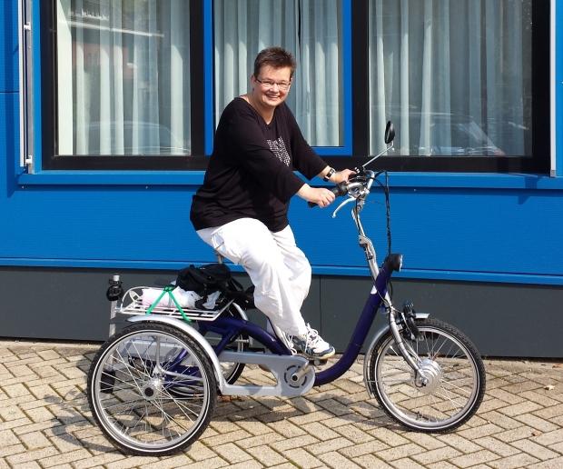 Roll-on Mobilitycare: Van Raam Midi driewielfiets