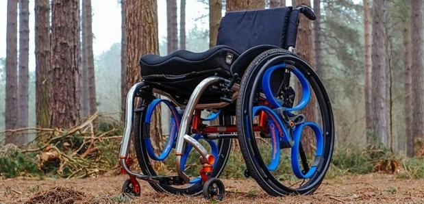 Roll-on, rolstoel met loopwheels
